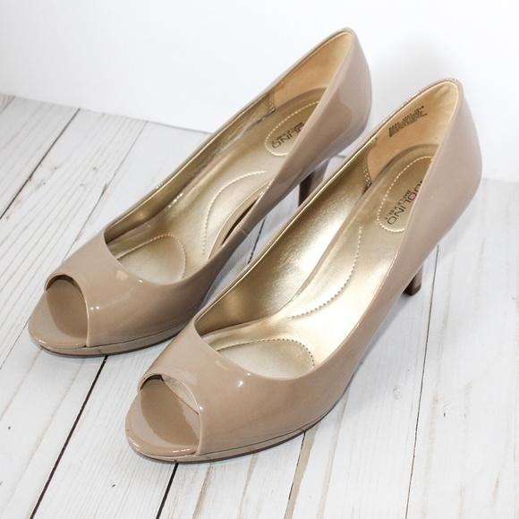 a6b6fecee80 Bandolino Shoes - Bandolino Dress Peep Toe Pumps Nude Patent Sz 9.5